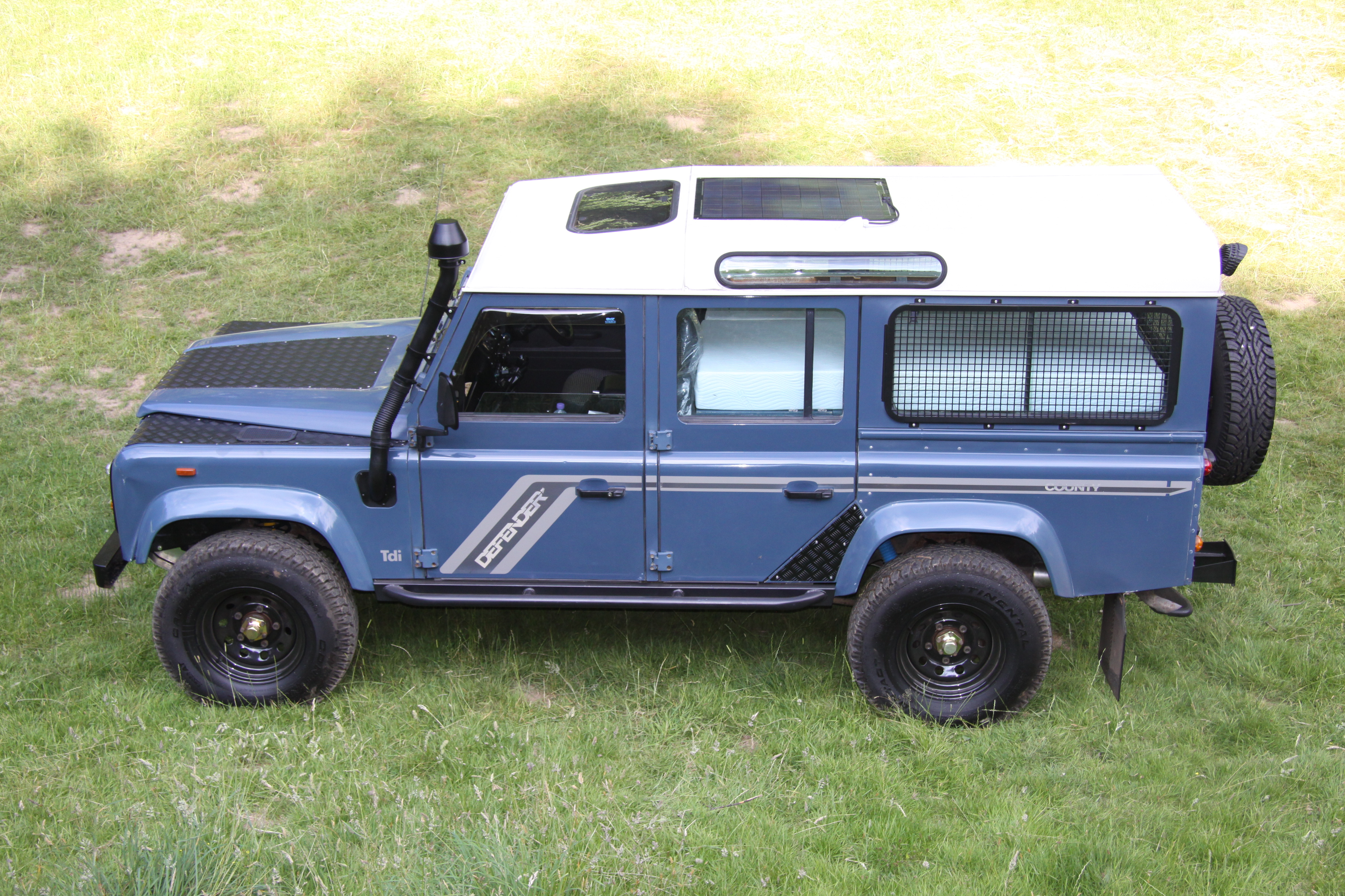 refurbished about rover by pin pinterest white discover ideas defenders on sale daniel landrover for vixen land rovers