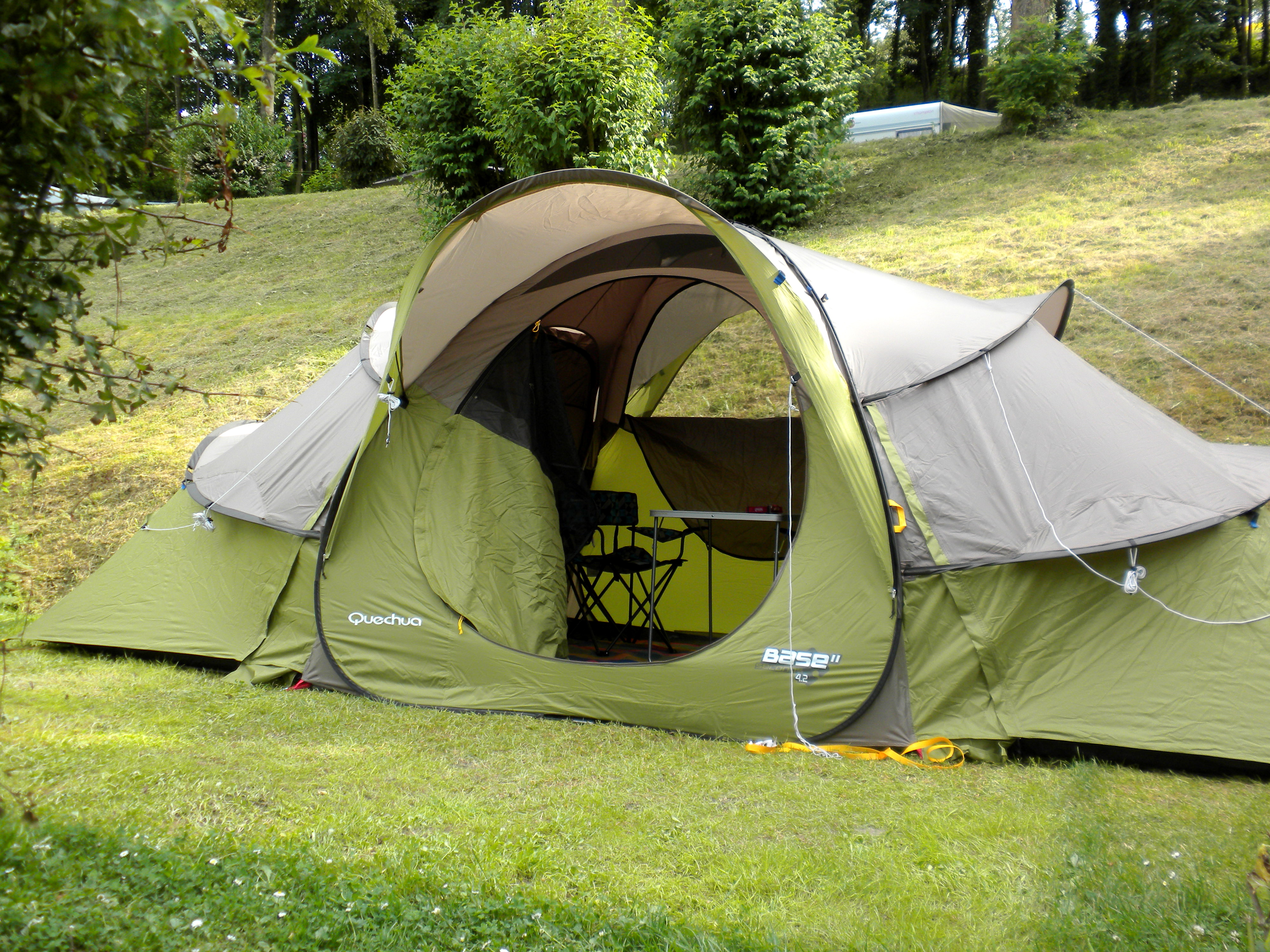 Quechua ... & Review u2013 Quechua Base Seconds 4.2 Tent u2013 Bermuda Rover