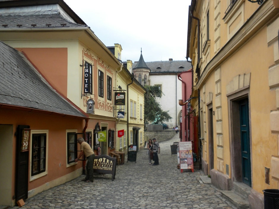 One of the narrow lanes of Kutna Hora