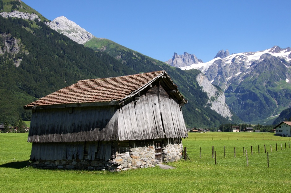 My favorite photo of the day - an old barn with snow-capped mountains behind.