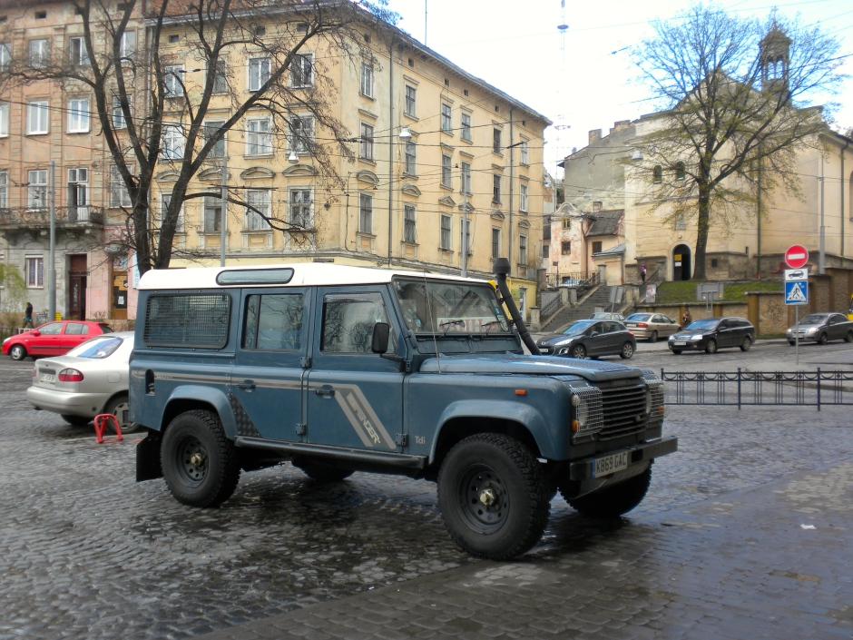 Defender parked outside the hotel in Lviv