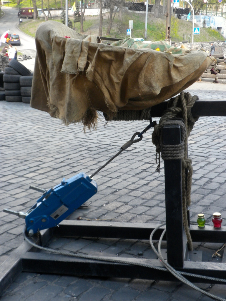 Tirfor winch used to crank the catapult into firing position