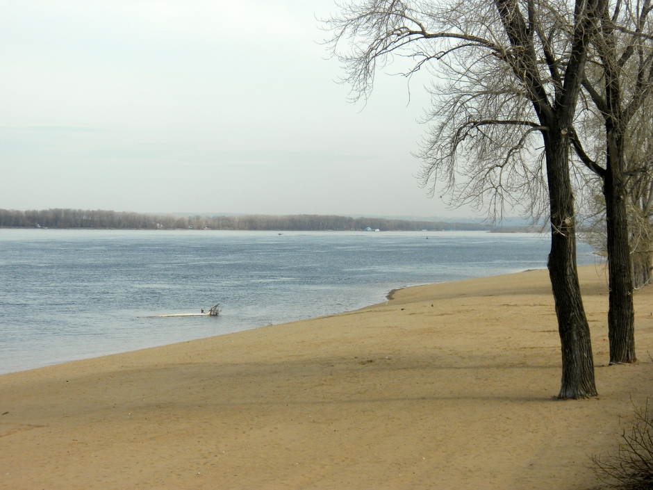 Beach on the bank of the Volga
