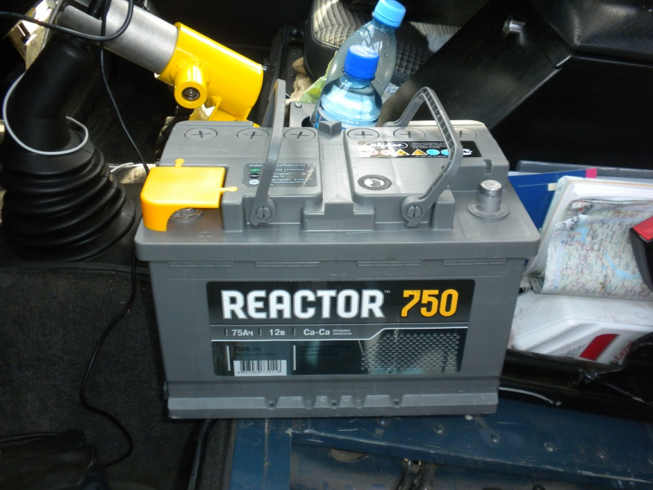 The Akom Reactor 750 battery that we bought to replace the Optima Red Top