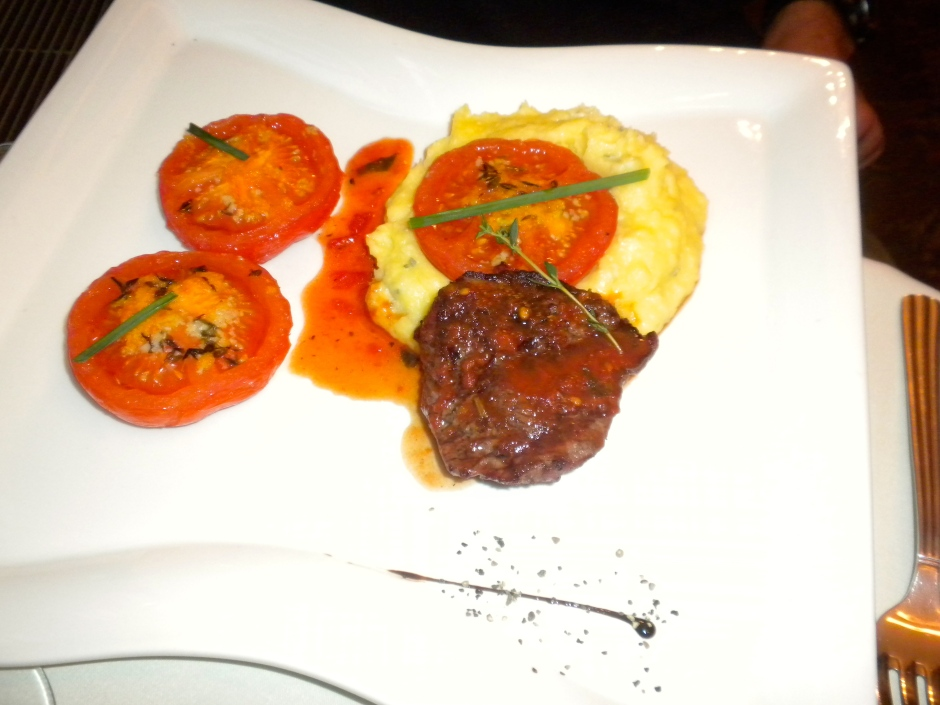Klaus' venison steak with grilled tomatoes