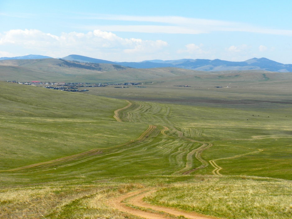 Driving off road in Mongolia. Take your pick of dirt tracks - most go in the same direction.