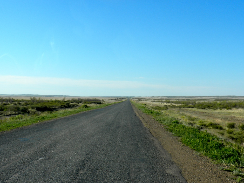 Straight roads and flat, boring scenery