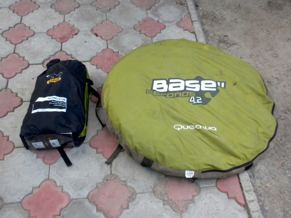 Side-by-side comparison between the Salewa and the Quechua tents