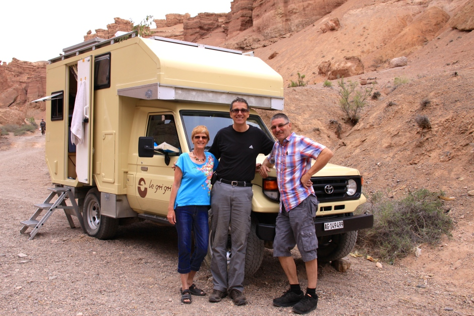 Klaus with Heidi and Robi and their Land Cruiser