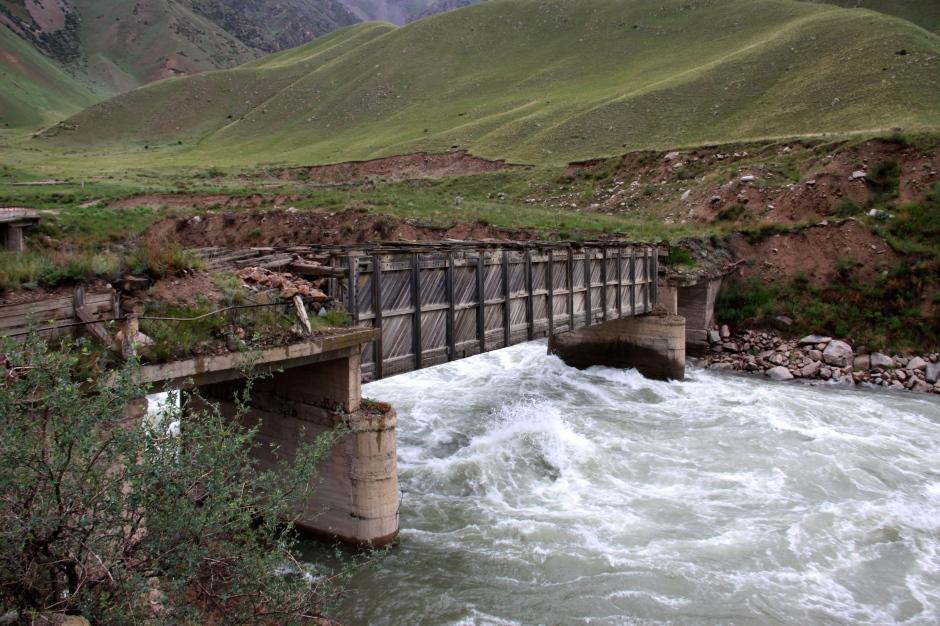 Decrepit bridge in Suusumyr Valley