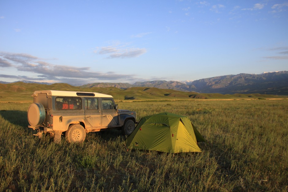 Dirty Defender at the camping spot on Thursday morning