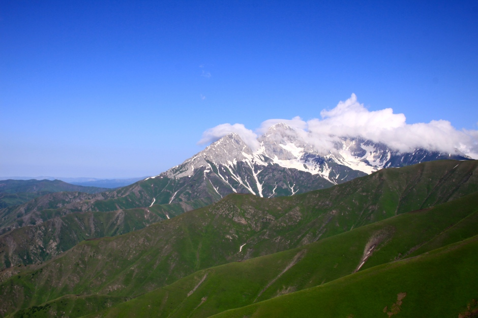 Cloud capped peaks - beautiful