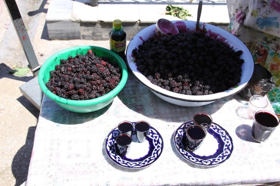 Fresh berry juice served in the bazaar - very good!