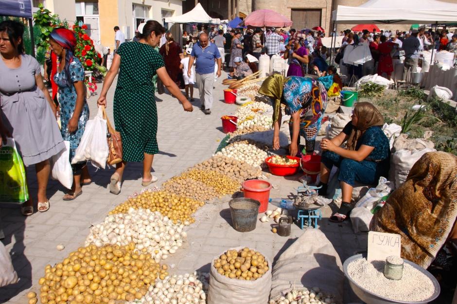 Sunday market in Khiva