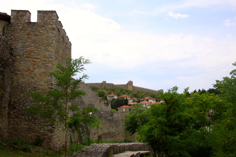 The town wall in the foreground with Samuil's Fortress on the hill