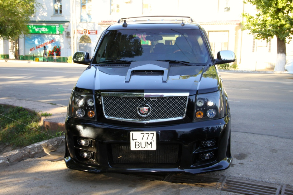 """""""Lucky Bum"""" - Cadillac Escalade"""