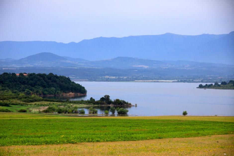 More lake scenery