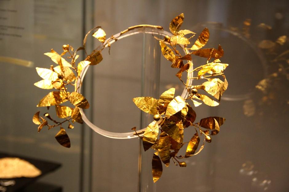 Gold wreath (4th century BC)