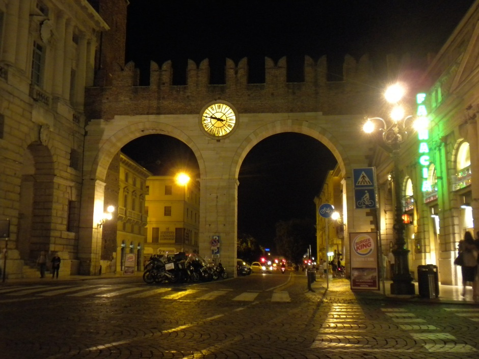 Portoni della Bra gate at night