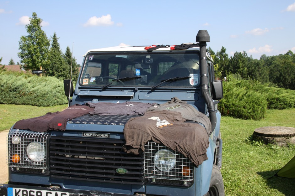 Clothes dryer - T-shirts on the bonnet and underwear on the roof!