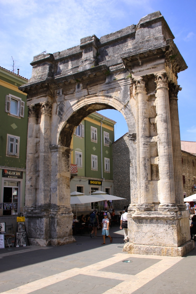 The Arch of the Sergians