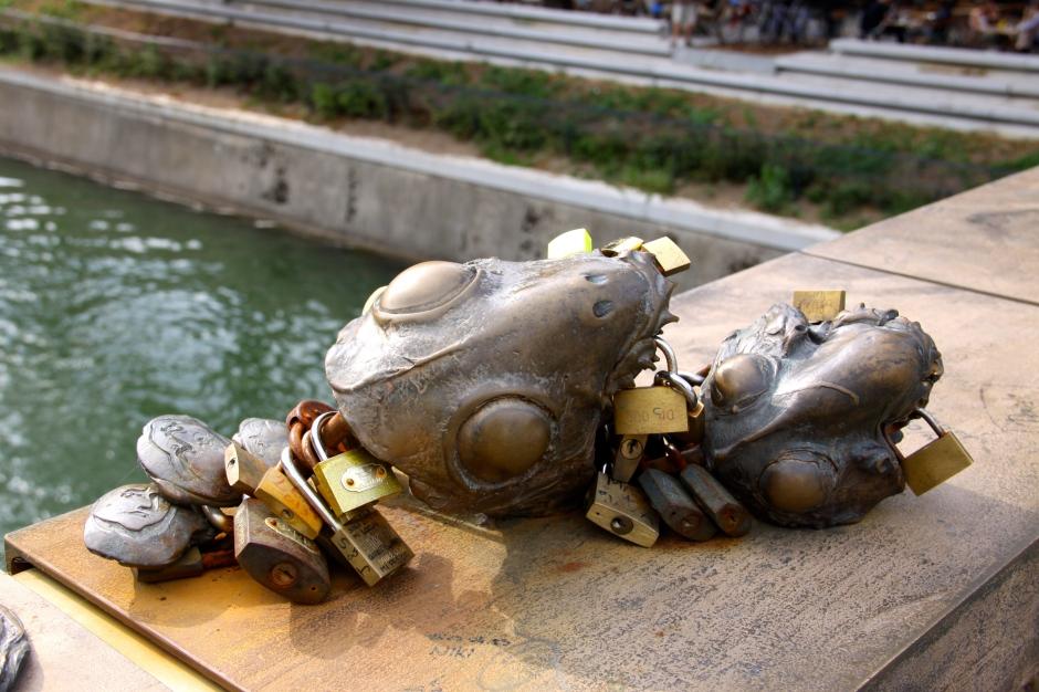 Animal head sculptures on Butcher's Bridge