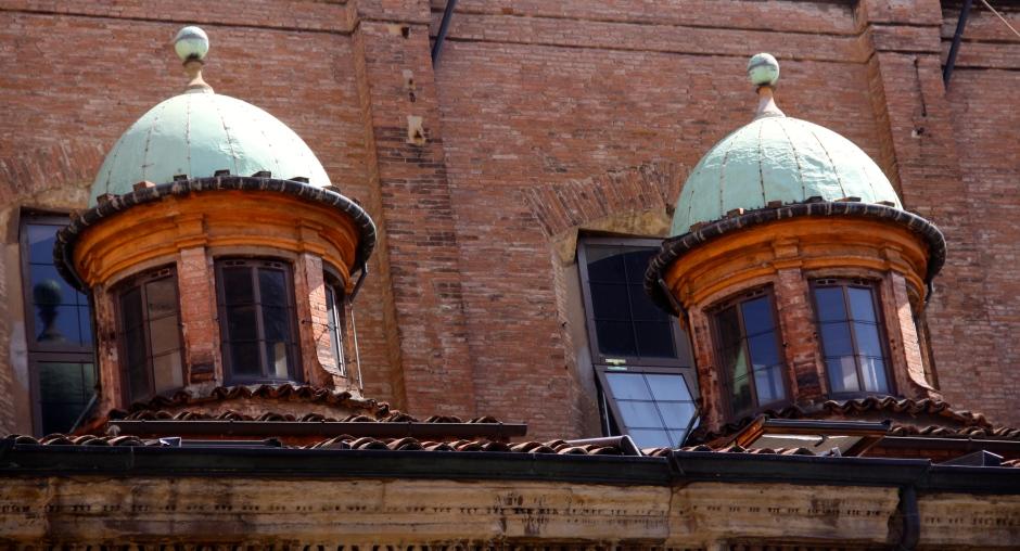 A random roof-top scene that caught my eye.