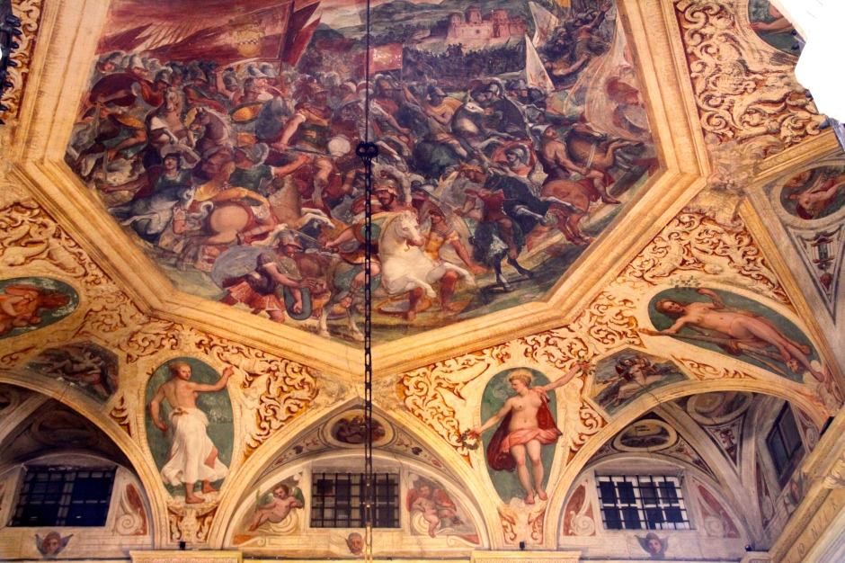 Painted ceiling of the entrance to the Deutsche Bank on Garibaldi Street