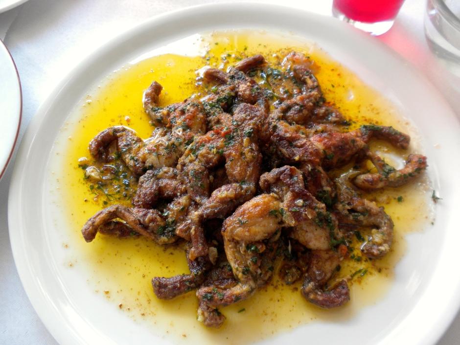 Frogs legs in garlic butter