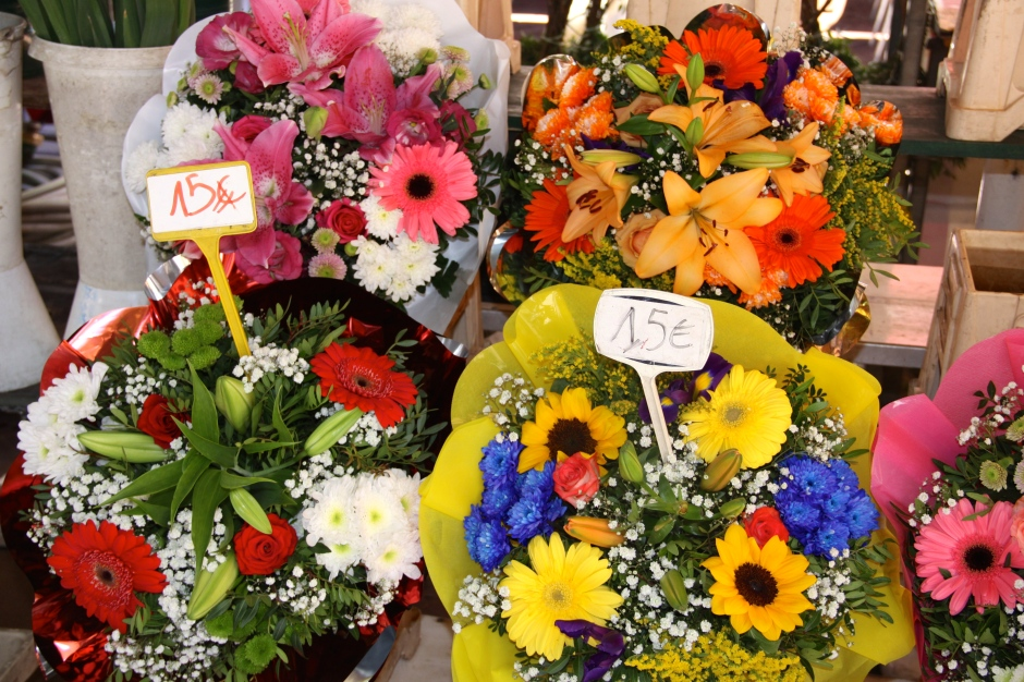 I wish we could buy flowers at this price in Bermuda!