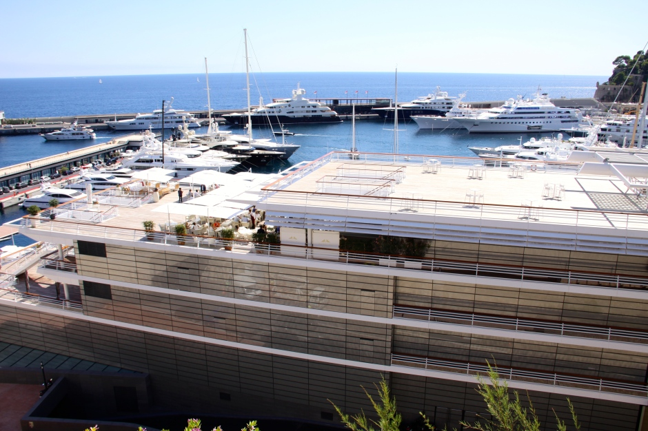 The Monte Carlo Yacht Club (foreground).