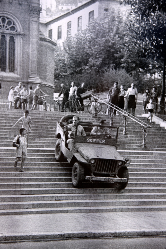IMG_35Photo of a jeep in Monaco on liberation day