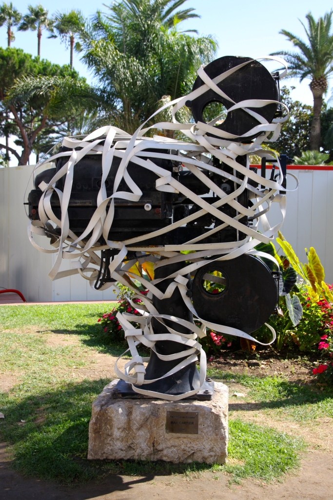 """""""Hommage Au Cinema"""" by Max Cartier (1990). Located near to the Cannes Festival theatre."""