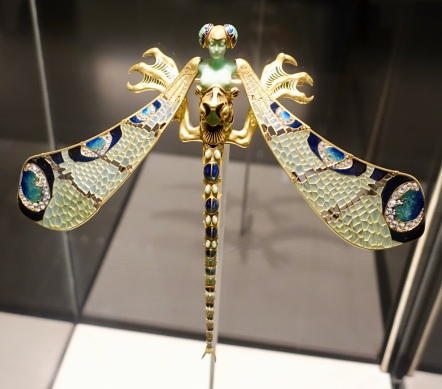 Lalique dragonfly woman corsage ornament, France 1897-1898