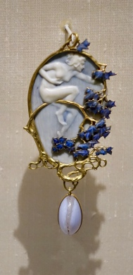 Lalique pendant