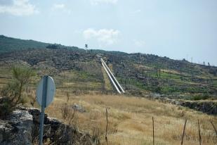 Water pipes descending from Lagoa Comprida