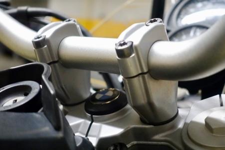 Standard handlebar clamps