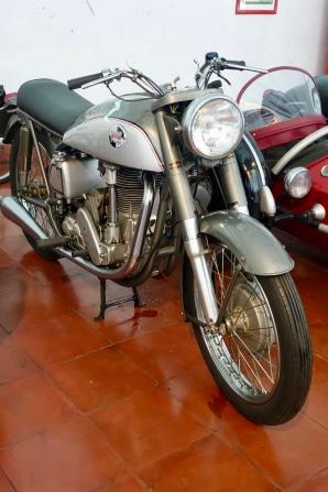 1954 Norton International 40