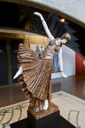 Gorgeous sculpture in foyer